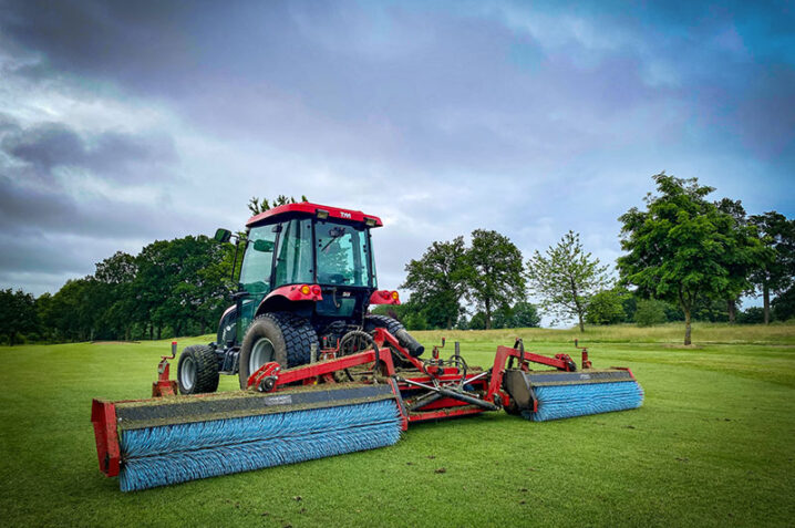 Afbeelding bij Top-Brush leaves tip-top finish, all year-round, for Windlesham Golf Club