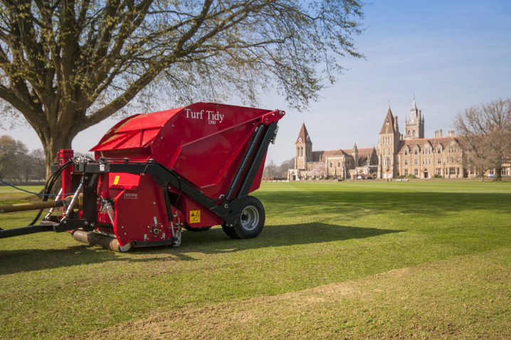 Images Turf-Tidy 2300 as Scarifier